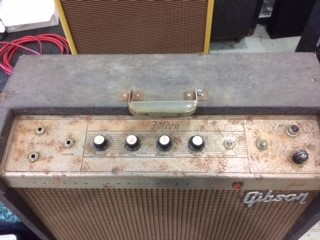 Restoring an Abused and Neglected Gibson GA19 RVT Falcon Guitar Tube Amp